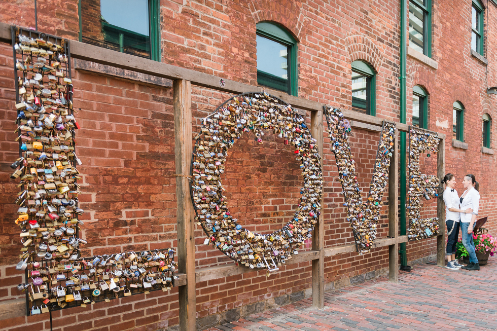 Urban Toronto Engagement, Gillian Foster Photography, Distillery district
