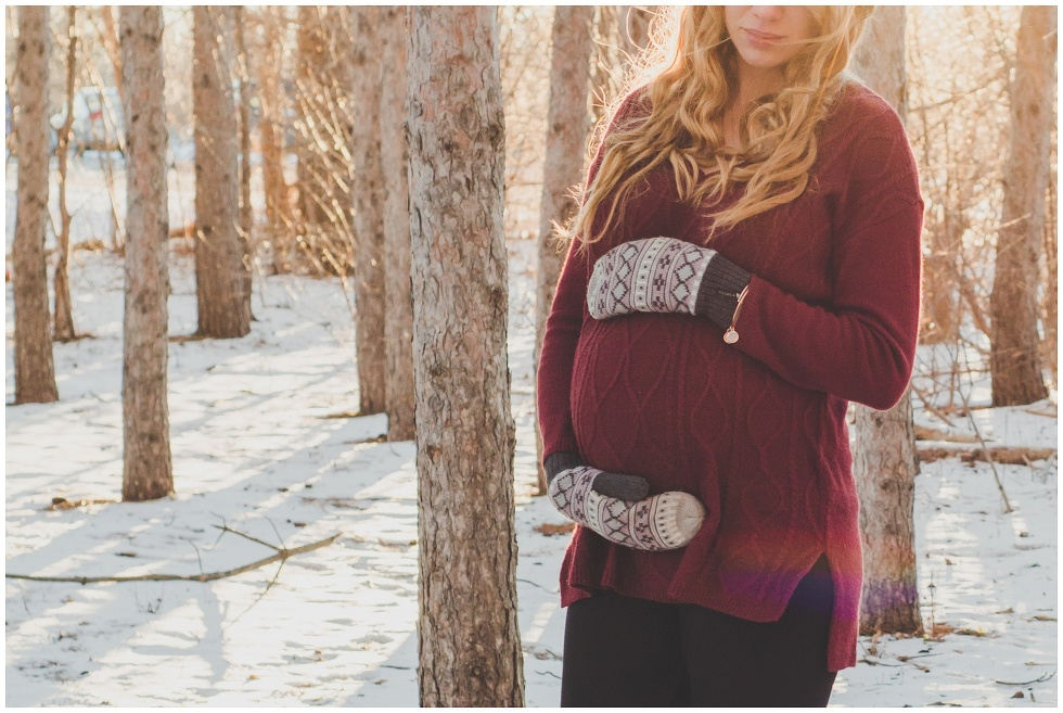 Winter maternity session, toronto maternity photographer