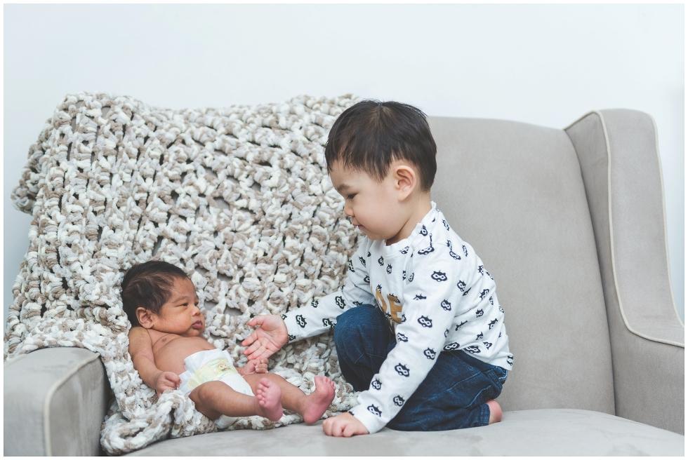 Toronto newborn photography, Toronto lifestyle photographer