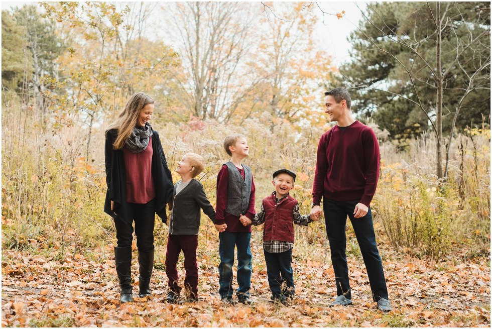Fall family photos, autumn family photo session