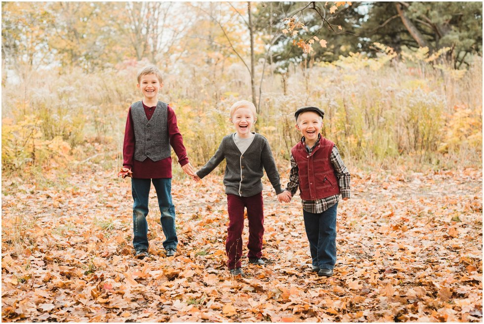Fall family photos, autumn family photo session