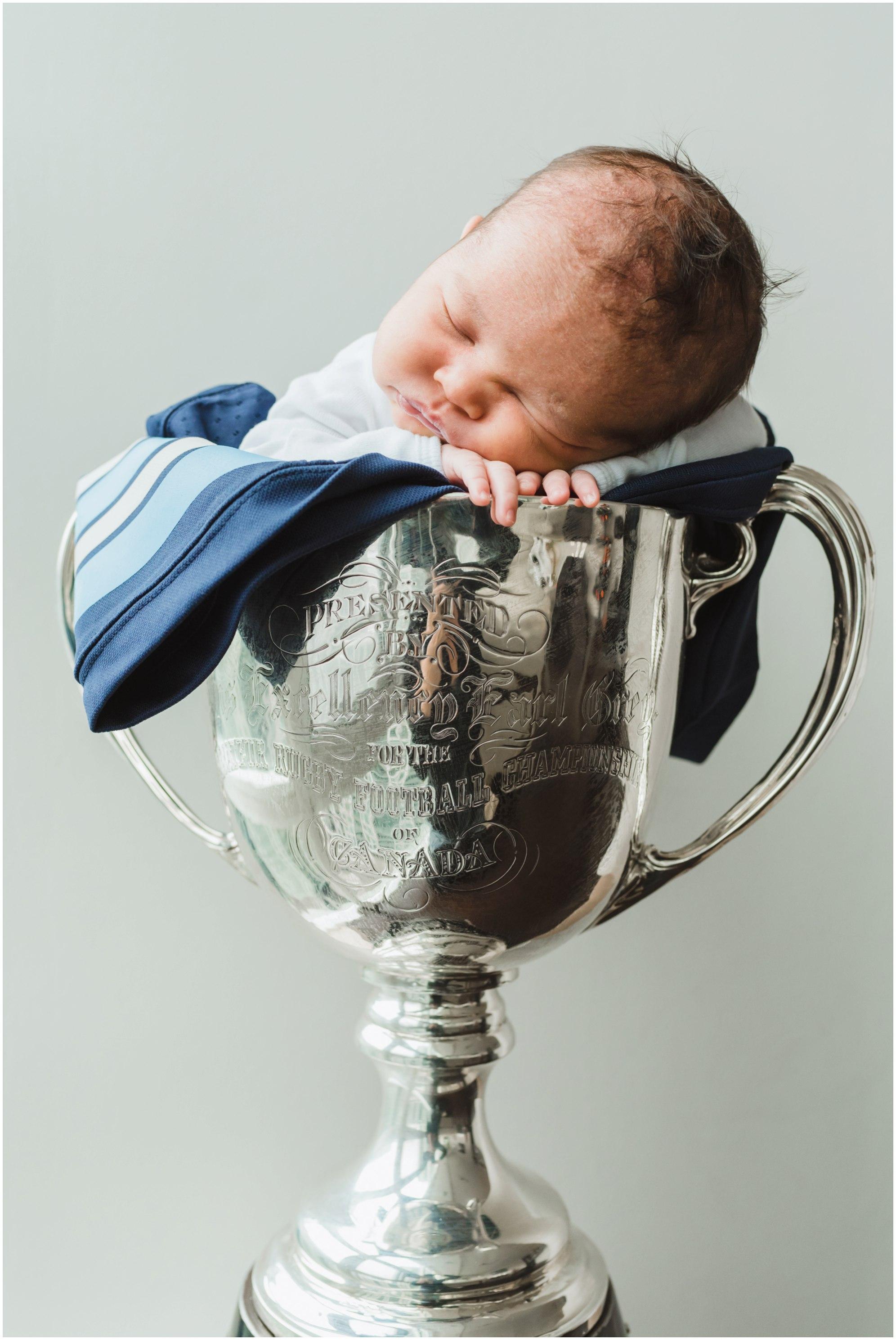 family lifestyle newborn photography Gillian Foster Toronto