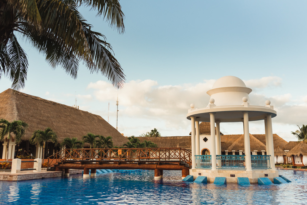 pool and bar at the Now Sapphire Resort in Mexico how to stay really relaxed during your wedding